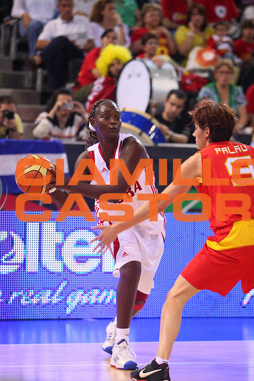 DESCRIZIONE : Madrid 2008 Fiba Olympic Qualifying Tournament For Women Quater Finals Cuba Spain <br /> GIOCATORE : Gelis <br /> SQUADRA : Cuba <br /> EVENTO : 2008 Fiba Olympic Qualifying Tournament For Women <br /> GARA : Cuba Spain Cuba Spagna <br /> DATA : 13/06/2008 <br /> CATEGORIA : Passaggio <br /> SPORT : Pallacanestro <br /> AUTORE : Agenzia Ciamillo-Castoria/S.Silvestri <br /> Galleria : 2008 Fiba Olympic Qualifying Tournament For Women <br /> Fotonotizia : Madrid 2008 Fiba Olympic Qualifying Tournament For Women Quater Finals Cuba Spain <br /> Predefinita :