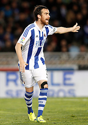 09.04.2016, Estadio de Anoeta, San Sebastian, ESP, Primera Division, Real Sociedad vs FC Barcelona, 32. Runde, im Bild Real Sociedad's Mikel Gonzalez // during the Spanish Primera Division 32th round match between Real Sociedad and FC Barcelona at the Estadio de Anoeta in San Sebastian, Spain on 2016/04/09. EXPA Pictures © 2016, PhotoCredit: EXPA/ Alterphotos/ Acero<br /> <br /> *****ATTENTION - OUT of ESP, SUI*****