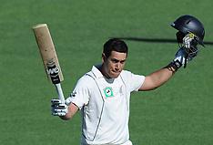 Napier-Cricket, New Zealand v Zimbabwe, Test, day 1