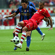 NLD/Amsterdam/20080808 - LG Tournament 2008 Amsterdam, FC Internazionale v Sevilla FC, David Pieto Galvez in duel met