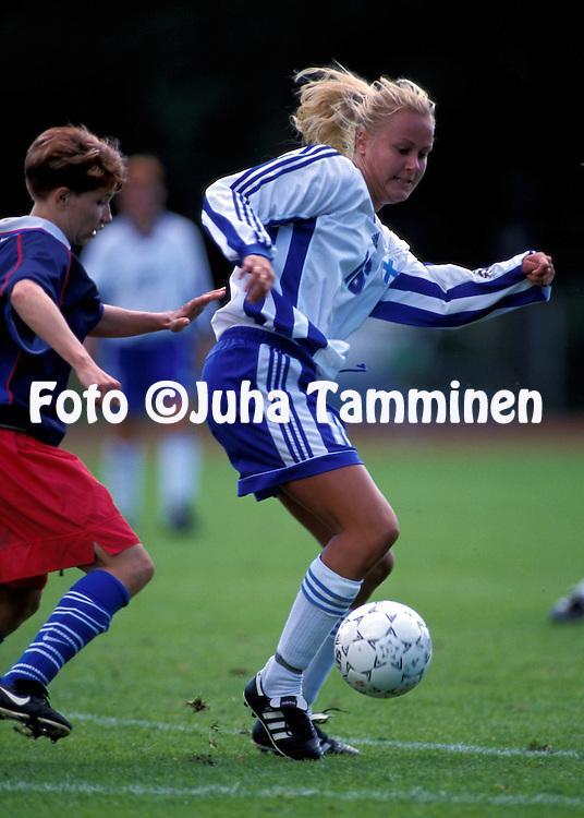 21.08.1999.Minna Mustonen (Finland) v Galina Komarova (Russia).©JUHA TAMMINEN.