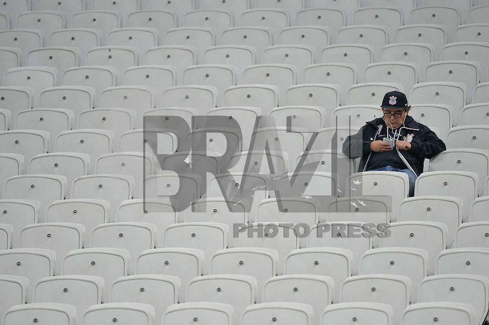 SÃO PAULO,SP, 28.09.2016 - CORINTHIANS-CRUZEIRO - Torcedor do Corinthians durante partida contra o Cruzeiro, jogo válido pelas quartas de final da Copa do Brasil 2016, na Arena Corinthians em São Paulo, nesta quarta feira, 28. (Foto: Levi Bianco/Brazil Photo Press)