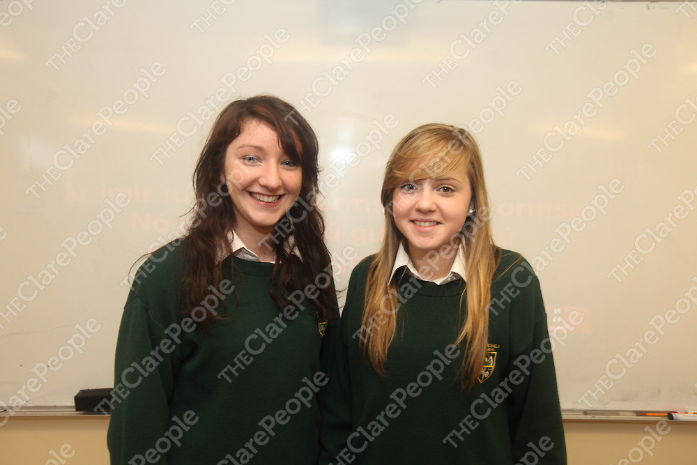 Ciara Golden and Amy Duggan pictured at Kilmihils St Michaels Community School on Monday.<br /> Pic. Brian Arthur/ Press 22.