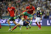 Fotball<br /> Frankrike<br /> Foto: Dppi/Digitalsport<br /> NORWAY ONLY<br /> <br /> FOOTBALL - UEFA EURO 2012 - QUALIFYING - GROUP D - FRANKRIKE v HVITERUSSLAND - 3/09/2010<br /> <br /> MATHIEU VALBUENA (FRA) / ALEKSANDR HLEB / ALEKSANDR YUREVICH (BIE)