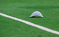 GROENEKAN -  Een tok op het veld     tijdens de  2e wedstrijd om het kampioenschap in de Overgangsklasse bij de mannen tussen Voordaan en SCHC (4-5). Er volgt nog een wedstrijd. links Sjoerd Vaags. COPYRIGHT KOEN SUYK