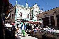 Algeria. Constantine. SOUK EL HARRAS market , in the old city, former jewish area    / Algerie, Constantine.  SOUK EL HARRAS marche ; vielle ville ancien quartier juif    18