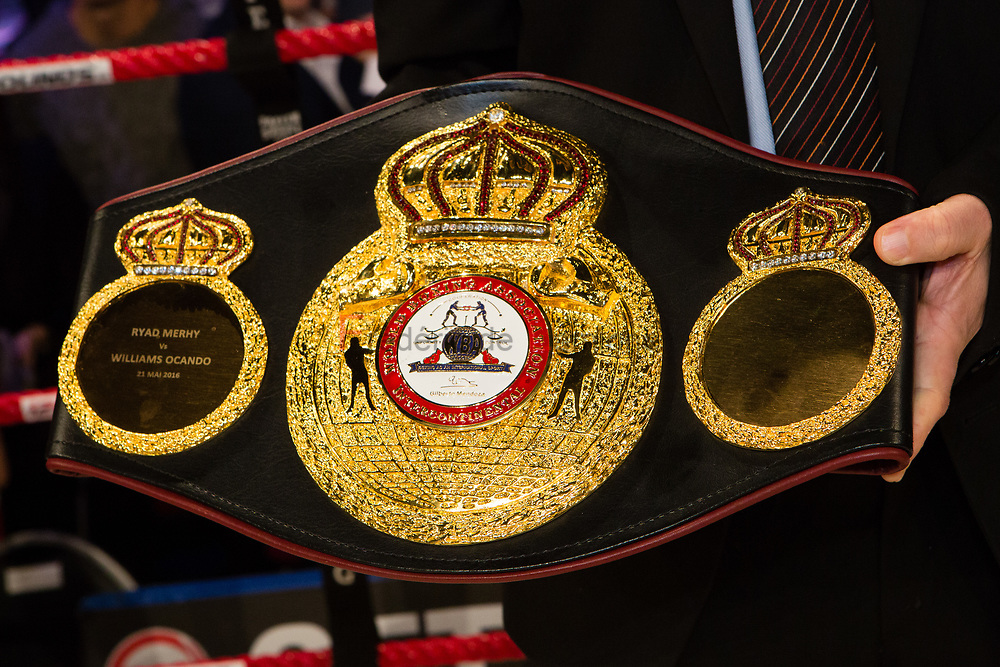 Charleroi, Belgium. 16 Dec, 2017. The WBA belt is seen at the end of the WBA Inter-Continental cruiserweight title fight between Ryad Merhy (Belgium, 23/0/0) and Nick Kisner (USA,19/3/1) in Charleroi, Belgium. Merhy won with a 4th round KO. © Frédéric de Laminne