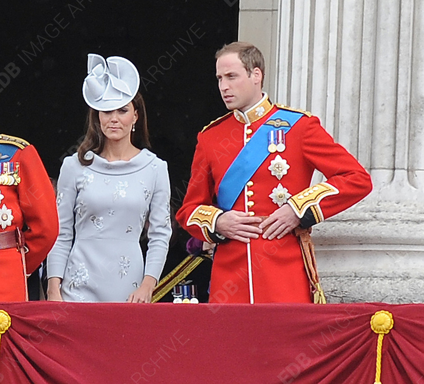 16.JUNE.2012. LONDON<br /> <br /> THE ROYAL FAMILY ATTEND THE ANNUAL TROOPING THE COLOUR CEREMONY IN HONOUR OF THE QUEEN'S OFFICIAL BIRTHDAY.<br /> <br /> BYLINE: EDBIMAGEARCHIVE.CO.UK<br /> <br /> *THIS IMAGE IS STRICTLY FOR UK NEWSPAPERS AND MAGAZINES ONLY*<br /> *FOR WORLD WIDE SALES AND WEB USE PLEASE CONTACT EDBIMAGEARCHIVE - 0208 954 5968*