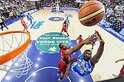 DESCRIZIONE : Campionato 2014/15 Dinamo Banco di Sardegna Sassari - Olimpia EA7 Emporio Armani Milano Playoff Semifinale Gara6<br /> GIOCATORE : Shane Lawal<br /> CATEGORIA : Tiro Penetrazione Sottomano Special<br /> SQUADRA : Dinamo Banco di Sardegna Sassari<br /> EVENTO : LegaBasket Serie A Beko 2014/2015 Playoff Semifinale Gara6<br /> GARA : Dinamo Banco di Sardegna Sassari - Olimpia EA7 Emporio Armani Milano Gara6<br /> DATA : 08/06/2015<br /> SPORT : Pallacanestro <br /> AUTORE : Agenzia Ciamillo-Castoria/L.Canu