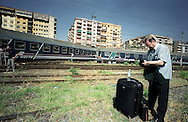 Roma 14 maggio 2003.Stazione Tiburtina .Treno Intercity deraglia, e urta un treno locale,  che transitava sul binario vicino..Controllore del treno Intercity, con i bagagli recuperati.Rome  May 14, 2003.Tiburtina Station.Intercity train derails and hits a local train that was passing near the track..Comptroller of the Intercity train, with luggage recovered