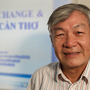 CAPTION: Mr Vinh, the director of the CCCO in Can Tho, explains the importance of building a resilient Can Tho and the need for multiple stakeholders to work together if this is to be achieved. LOCATION: Climate Change Coordination Office, Can Tho, Vietnam. INDIVIDUAL(S) PHOTOGRAPHED: Ky Quang Vinh.