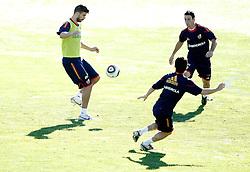 06.10.2010, Madrid, ESP, Spain national football team training, im Bild Gerard Pique and Aritz Aduriz during trainning session. EXPA Pictures © 2010, PhotoCredit: EXPA/ Alterphotos/ Alvaro Hernandez +++++ ATTENTION - OUT OF SPAIN / ESP +++++