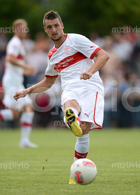 Fussball 1. Bundesliga:  Saison   2012/2013     Testspiel:  TSV Schwaikheim - VfB Stuttgart   06.07.2012 Zdravko Kuzmanovic (VfB Stuttgart)  am Ball