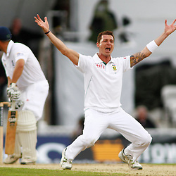 19/07/2012 London, England. South Africa's Dale Steyn appeals for a wicket during the Investec cricket international test match between England and South Africa, played at the Kia Oval cricket ground: Mandatory credit: Mitchell Gunn