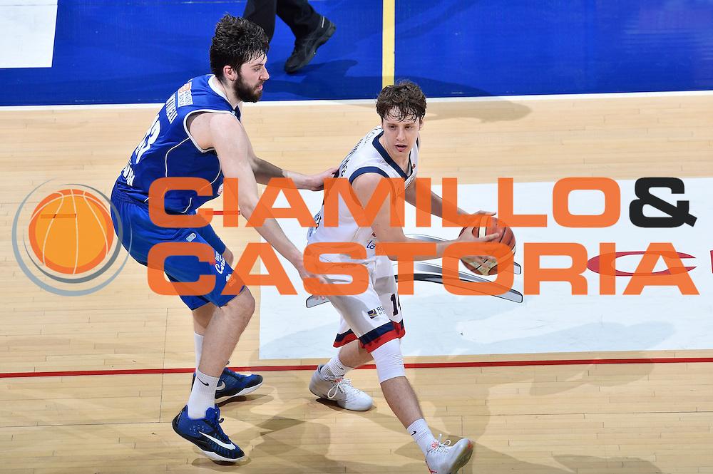 DESCRIZIONE : LNP Playoff Serie A2 Citroen 2015- 2016 Semifinale Gara 3 Eternedile Bologna - De Longhi Treviso<br /> GIOCATORE : Matteo Montano<br /> CATEGORIA : palleggio<br /> SQUADRA : Eternedile Bologna<br /> EVENTO : LNP Playoff Serie A2 Citroen 2015- 2016<br /> GARA : Playoff Semifinale Gara 3 Eternedile Bologna - De Longhi Treviso<br /> DATA : 04/06/2016<br /> SPORT : Pallacanestro <br /> AUTORE : Agenzia Ciamillo-Castoria/Max.Ceretti