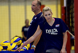 30-09-2014 ITA: World Championship Volleyball Training Nederland, Verona<br /> Ass. Coach Ron Zwerver, Laura Dijkema