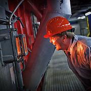 Nederland, Amsterdam, 09-03-2010 - De Prins van Oranje ,Willem Alexander woont dinsdagmiddag in Amsterdam een deel bij van het symposium 'The Amsterdam Waste Management Conference' van het Afval Energie Bedrijf (AEB). De Prins krijgt na afloop van het symposium een rondleiding door de Hoogrendement Centrale. FOTO: Gerard Til / Hollandse Hoogte