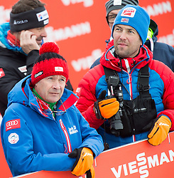 26.02.2015, Lugnet Ski Stadium, Falun, SWE, FIS Weltmeisterschaften Ski Nordisch, Nordische Kombination, Skisprung, im Bild v.l.: Ernst Vettori, Sportlicher Leiter Ski Nordisch (AUT) und Thomas Baumann, Trainer Langlauf, Nordische Kombination ÖSV (AUT) // during the Nordic Combined Skijumping of the FIS Nordic Ski World Championships 2015 at the Lugnet Ski Stadium, Falun, Sweden on 2015/02/26. EXPA Pictures © 2015, PhotoCredit: EXPA/ JFK