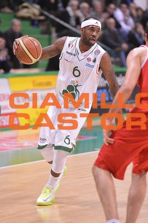 DESCRIZIONE : Siena Lega A 2012-2013 Montepaschi Siena Trenkwalder Reggio Emilia<br /> GIOCATORE : Bobby Brown<br /> CATEGORIA :  palleggio<br /> SQUADRA : Montepaschi Siena<br /> EVENTO : Campionato Lega A 2012-2013 <br /> GARA : Montepaschi Siena Trenkwalder Reggio Emilia<br /> DATA : 21/01/2013<br /> SPORT : Pallacanestro <br /> AUTORE : Agenzia Ciamillo-Castoria/GiulioCiamillo<br /> Galleria : Lega Basket A 2012-2013  <br /> Fotonotizia : Siena Lega A 2012-2013 Montepaschi Siena Trenkwalder Reggio Emilia<br /> Predefinita :