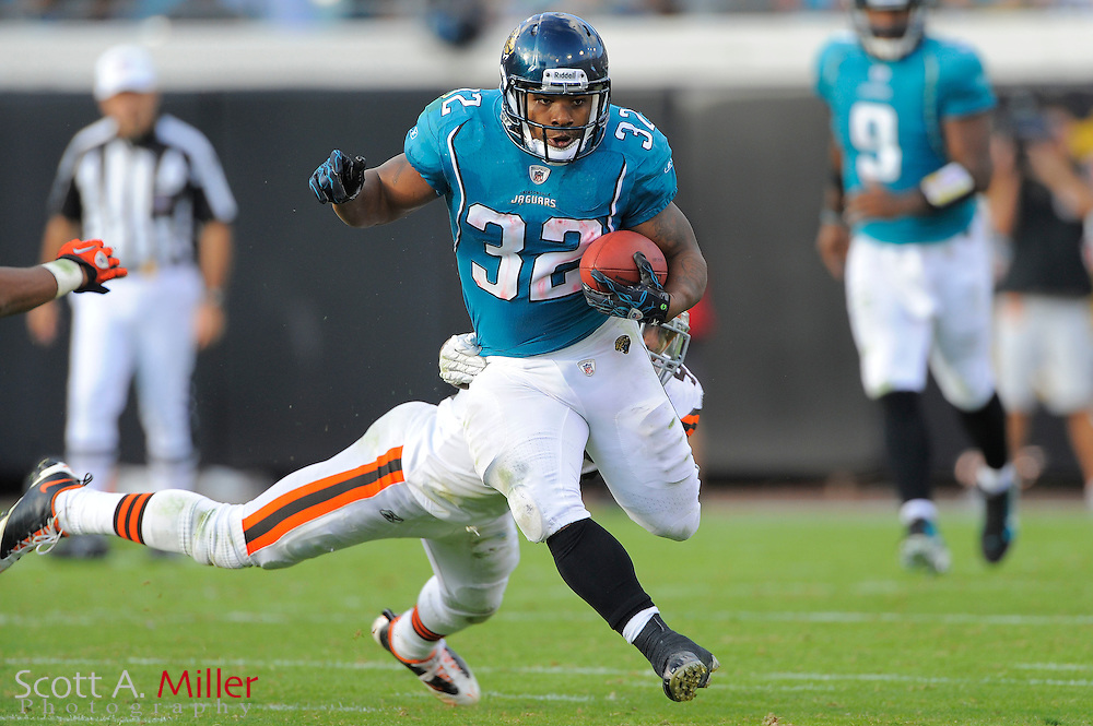 Jacksonville Jaguars running back Maurice Jones-Drew (32) heads upfield on a 75-yard run during the Jags 24-20 win over the Cleveland Browns at EverBank Field on Nov. 21, 2010 in Jacksonville, Florida. ..©2010 Scott A. Miller