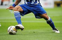 FUSSBALL  1. BUNDESLIGA   SAISON 2009/2010   8. SPIELTAG VfL Bochum - VfL Wolfsburg            03.10.2009 Fussball Allgemein: Ball und Beine
