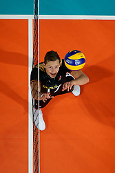 21-09-2019 NED: EC Volleyball 2019 Netherlands - Germany, Apeldoorn<br /> 1/8 final EC Volleyball / Jan Zimmermann #17 of Germany