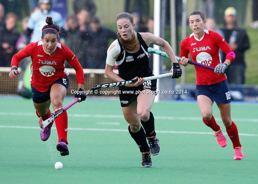 New Zealand's Shiloh Gloyn. Fourth test, New Zealand Black Sticks Women v USA women's international hockey, Twin Turfs , Palmerston North, New Zealand. Thursday, 23 October, 2014. Photo: John Cowpland / www.photosport.co.nz