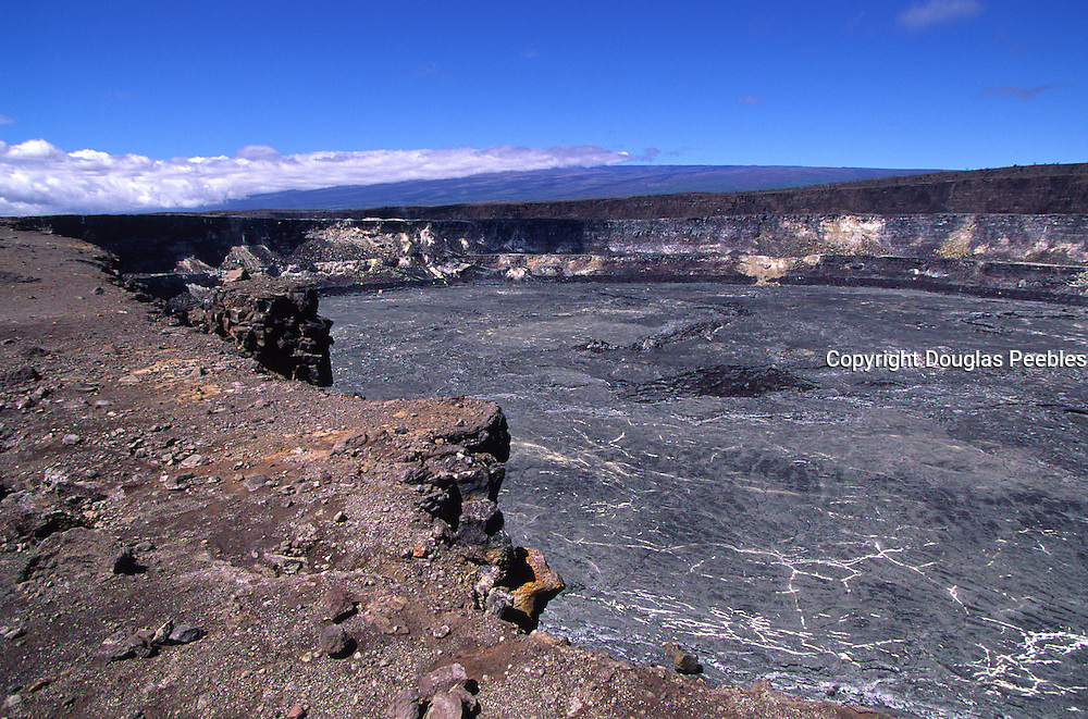 Halemaumau, Kilauea Volcano, Hawaii Volcanoes National Park, Island of Hawaii, Hawaii, USA<br />