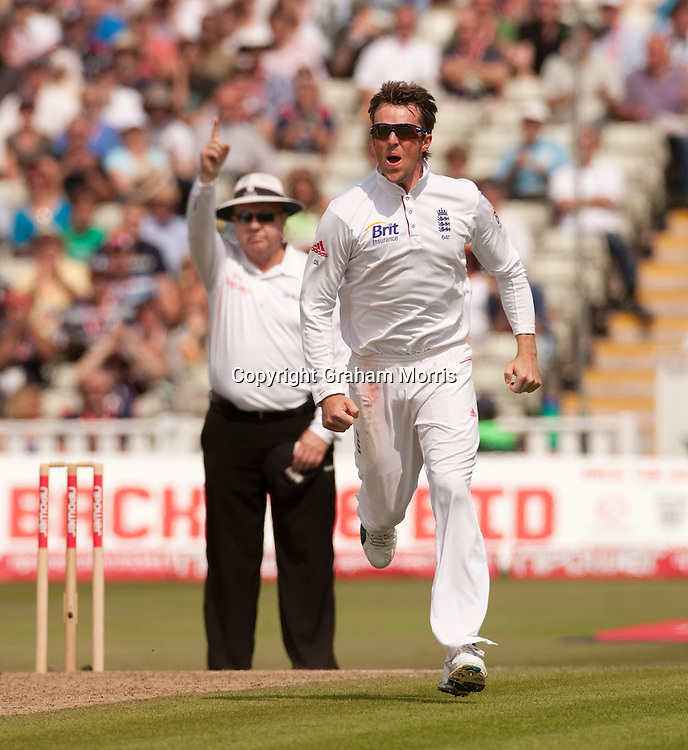 Bowler Graeme Swann celebrates during the second npower Test Match between England and Pakistan at Edgbaston, Birmingham.  Photo: Graham Morris (Tel: +44(0)20 8969 4192 Email: sales@cricketpix.com) 08/08/10