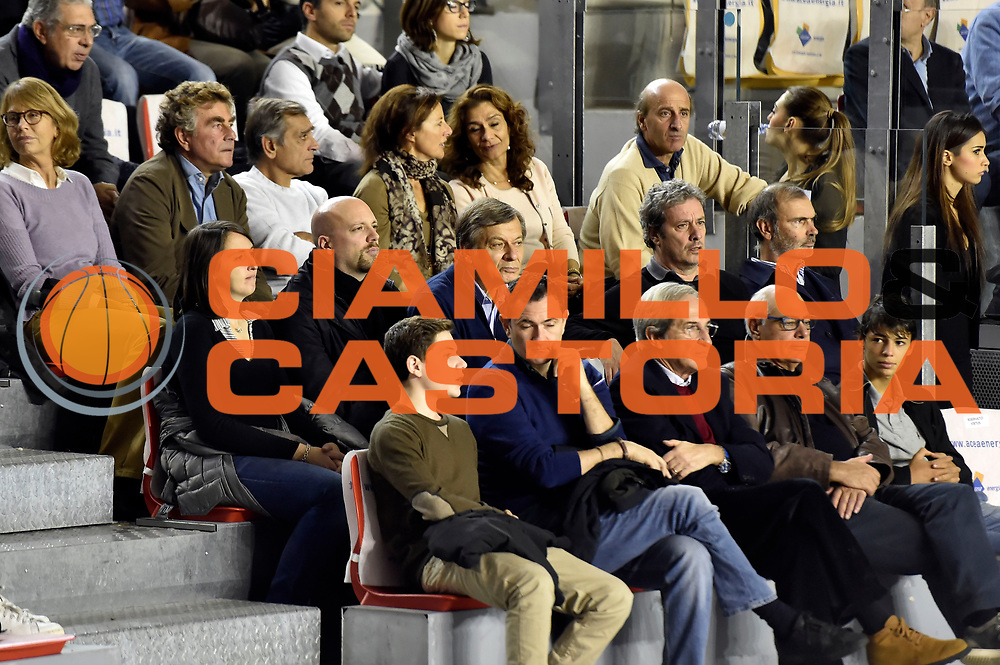 DESCRIZIONE : Roma Lega A 2014-2015 Acea Roma Openjob Metis Varese<br /> GIOCATORE : tifosi<br /> CATEGORIA : tifosi vip<br /> SQUADRA : Acea Roma<br /> EVENTO : Campionato Lega A 2014-2015<br /> GARA : Acea Roma Openjob Metis Varese<br /> DATA : 16/11/2014<br /> SPORT : Pallacanestro<br /> AUTORE : Agenzia Ciamillo-Castoria/GiulioCiamillo<br /> GALLERIA : Lega Basket A 2014-2015<br /> FOTONOTIZIA : Roma Lega A 2014-2015 Acea Roma Openjob Metis Varese<br /> PREDEFINITA :