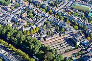 Nederland, Utrecht, Gemeente Utrecht, 30-09-2015; Zuidelijk deel van de binnenstad. Catharijnesingel, Oudegracht,  aan het Vrouwjuttenhof het geel-groene Willem Arntsz Huis.<br /> Southern part of downtown Utrecht city centre.<br /> luchtfoto (toeslag op standard tarieven);<br /> aerial photo (additional fee required);<br /> copyright foto/photo Siebe Swart