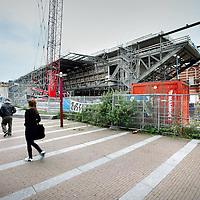 Nederland, Amsterdam , 14 oktober 2010..Renovatie en uitbreiding van het Stedelijk Museum aan het Museumplein..Links de uitbouw de z.g. badkuip..Renovation and the expansion of Stedelijk Museum of Modern Art Amsterdam.