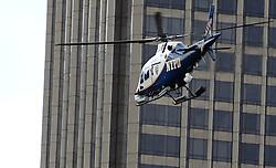 03-11-2013 ALGEMEEN: BVDGF NY MARATHON: NEW YORK <br /> De NY marathon werd weer een groot succes voor de BvdGf. Alle lopers hebben met prachtige tijden de finish gehaald / Beveiliging was groot bij de marathon, politie NYPD, honden, helicopters item atletiek marathon<br /> ©2013-FotoHoogendoorn.nl