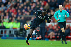 SUNDERLAND, ENGLAND - Monday, January 2, 2017: Liverpool's Sadio Mane in action against Sunderland during the FA Premier League match at the Stadium of Light. (Pic by David Rawcliffe/Propaganda)