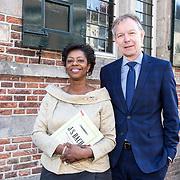 NLD/Naarden/20190419 - Matthaus-Passion in de grote kerk van Naarden, Joyce Sylvester en burgemeester van Baarn Mark Roell