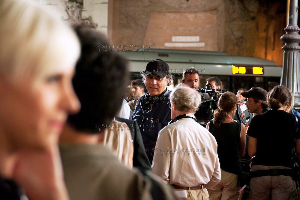 Roma 9 Agosto  2011.Il set del  film The Bob Decameron di Woody Allen, a Piazza della Repubblica.Woody Allen sul set del film con Darius Khondji direttore della fotografia.