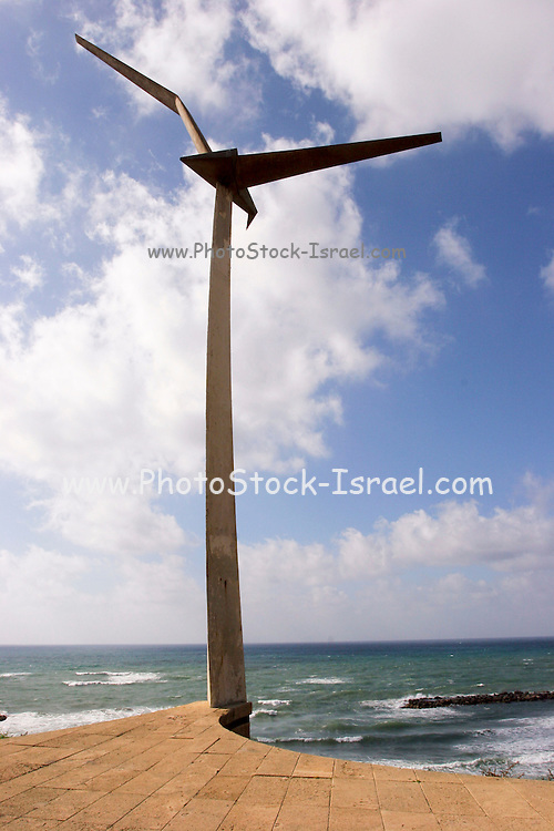 A statue of a seagull over Tel Aviv coastline, as a monument to commemorate the pilots who went to block an Egyptian ship that shelled Tel Aviv during the war of independence..The Israeli memorial day (Yom Hazikaron) is observed on the 4th day of the month of Iyar of the Hebrew calendar, always preceding the next day's celebrations of Israel Independence Day.