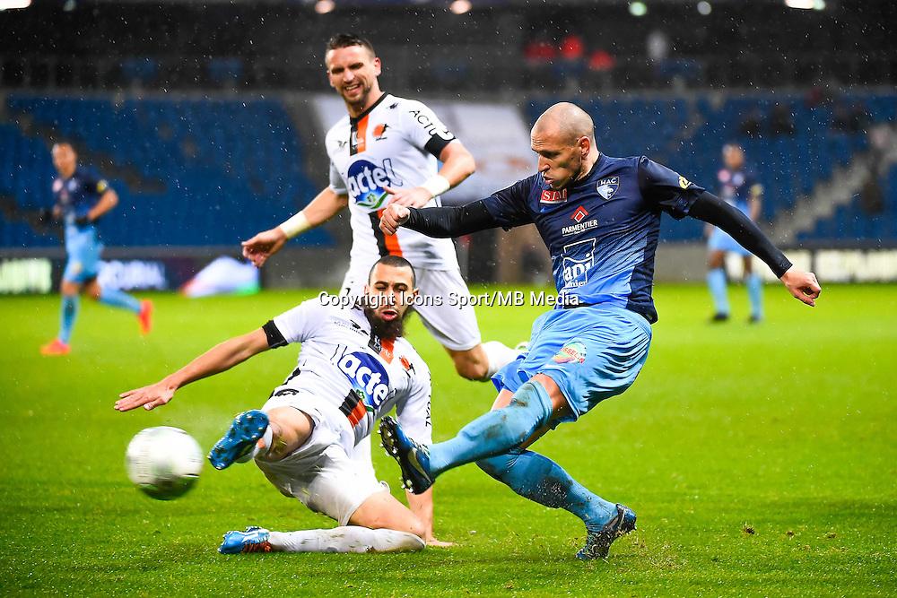 Fouad CHAFIK / Ludovic GAMBOA  - 12.12.2014 - Le Havre / Laval - 17eme journee de Ligue 2 <br /> Photo : Fred Porcu / Icon Sport
