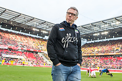19.12.2015, Rhein Energie Stadion, Koeln, GER, 1. FBL, 1. FC Koeln vs Borussia Dortmund, 17. Runde, im Bild Trainer Peter Stoeger (1. FC Koeln) // during the German Bundesliga 17th round match between 1. FC Cologne and Borussia Dortmund at the Rhein Energie Stadion in Koeln, Germany on 2015/12/19. EXPA Pictures © 2015, PhotoCredit: EXPA/ Eibner-Pressefoto/ Schueler<br /> <br /> *****ATTENTION - OUT of GER*****