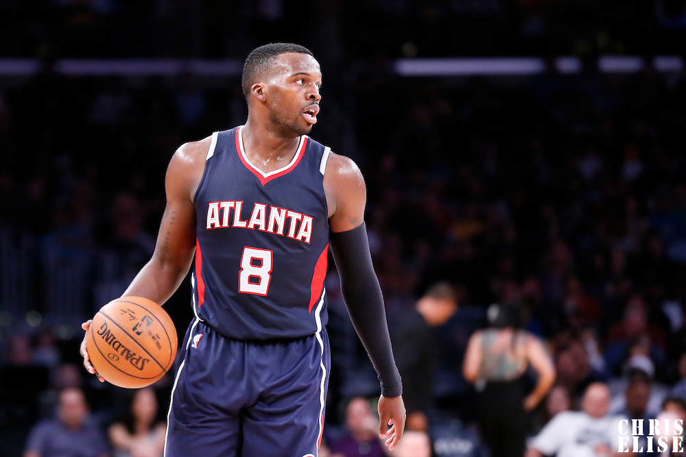 15 March 2015: Atlanta Hawks guard Shelvin Mack (8) brings the ball up court during the Atlanta Hawks 91-86 victory over the Los Angeles Lakers, at the Staples Center, Los Angeles, California, USA.