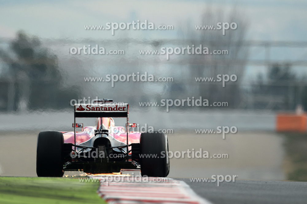 27.02.2015, Circuit de Catalunya, Barcelona, ESP, FIA, Formel 1, Testfahrten, Barcelona, Tag 2, im Bild Sebastian Vettel (GER) Ferrari SF15-T throws up the sparks // during the Formula One Testdrives, day two at the Circuit de Catalunya in Barcelona, Spain on 2015/02/27. EXPA Pictures &copy; 2015, PhotoCredit: EXPA/ Sutton Images/ Patrik Lundin Images<br /> <br /> *****ATTENTION - for AUT, SLO, CRO, SRB, BIH, MAZ only*****