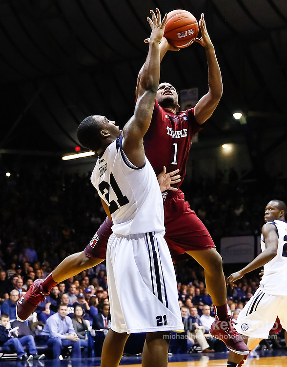 INDIANAPOLIS, IN - JANUARY 26: Khalif Wyatt #1 of the Temple Owls shoots the ball over Roosevelt Jones #21 of the Butler Bulldogs at Hinkle Fieldhouse on January 26, 2013 in Indianapolis, Indiana. Butler defeated Templer 83-71.(Photo by Michael Hickey/Getty Images) *** Local Caption *** Khalif Wyatt; Roosevelt Jones