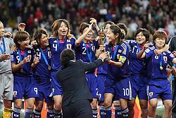17.07.2011, Commerzbankarena, Frankfurt, GER, FIFA Women Worldcup 2011, Finale,  Japan (JPN) vs. USA (USA), im Bild:  ..Homare Sawa (Japan) bekommt von OK Chefin Steffi Jones den Pokal.. // during the FIFA Women Worldcup 2011, final, Japan vs USA on 2011/07/11, FIFA Frauen-WM-Stadion Frankfurt, Frankfurt, Germany.   EXPA Pictures © 2011, PhotoCredit: EXPA/ nph/  Mueller       ****** out of GER / CRO  / BEL ******