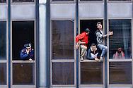 Roma, 2  Maggio 2013.Le forze dell'ordine  hanno sgomberato  uno stabile occupato da un centinaio di persone aderenti ai movimenti per il diritto all'abitare, al quartiere Tor Tre Teste. Si tratta di uno degli stabili occupati durante il  TsunamiTour, quando i movimenti per il diritto all'abitare hanno occupato simultaneamente nove palazzi inutilizzati e invenduti. La polizia sul tetto e gli occupanti barricati  minacciano di buttarsi dalla finestra..