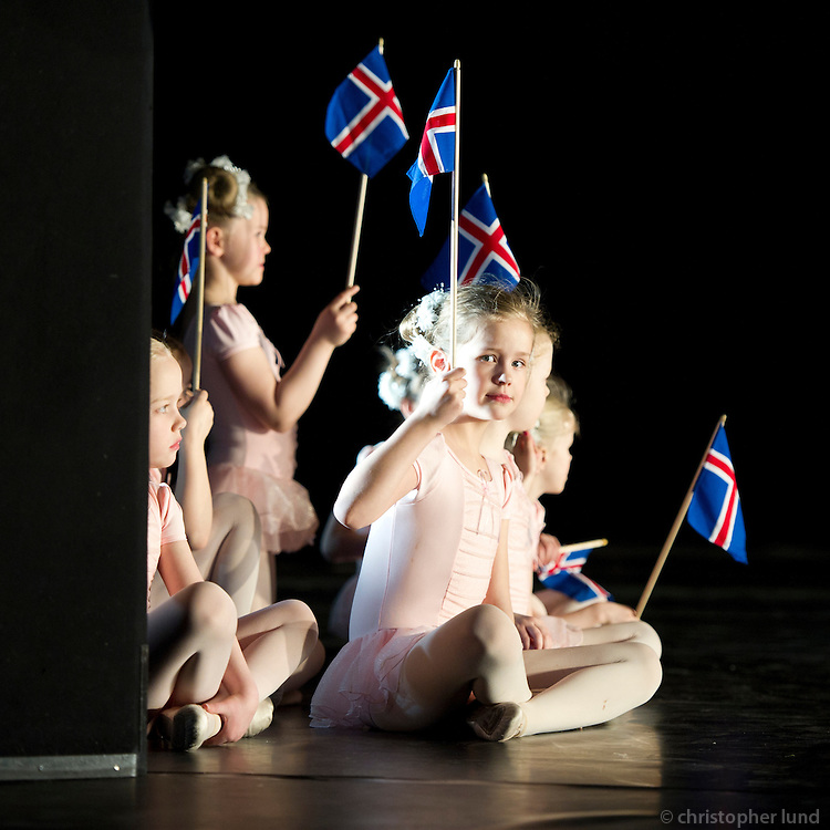 From the Ballet students show 15th of March 2011. Dancers from The Icelandic Classic Dance School. Frá nemendasýningu Klassíska Listdansskólans í Borgarleikhúsinu 15. mars. 2011.