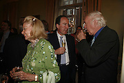 Lady Sonia Sinclair, Charles Moore and Andrew Sinclair. Book launch of 'A Much Married Man' by Nicholas Coleridge. English Speaking Union. London. 4 May 2006. ONE TIME USE ONLY - DO NOT ARCHIVE  © Copyright Photograph by Dafydd Jones 66 Stockwell Park Rd. London SW9 0DA Tel 020 7733 0108 www.dafjones.com