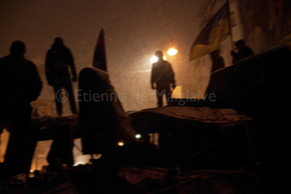 Standoff between antigovernment protesters and riot police on Hrushevskoho street in Kiev.