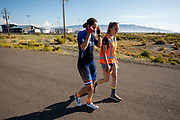 In Battle Mountain oefent het team voor het eerst met de VeloX in Amerika. Het Human Power Team Delft en Amsterdam, dat bestaat uit studenten van de TU Delft en de VU Amsterdam, is in Amerika om tijdens de World Human Powered Speed Challenge in Nevada een poging te doen het wereldrecord snelfietsen voor vrouwen te verbreken met de VeloX 9, een gestroomlijnde ligfiets. Het record is met 121,81 km/h sinds 2010 in handen van de Francaise Barbara Buatois. De Canadees Todd Reichert is de snelste man met 144,17 km/h sinds 2016.<br /> <br /> With the VeloX 9, a special recumbent bike, the Human Power Team Delft and Amsterdam, consisting of students of the TU Delft and the VU Amsterdam, wants to set a new woman's world record cycling in September at the World Human Powered Speed Challenge in Nevada. The current speed record is 121,81 km/h, set in 2010 by Barbara Buatois. The fastest man is Todd Reichert with 144,17 km/h.