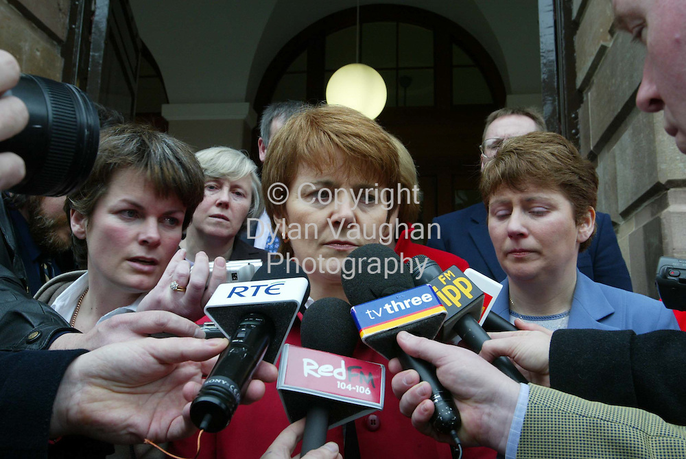 26/2/2003.Christine O Sullivan pictured talkibg to reporters outside Clonmel Court yesterday after the verdict was given against Regina nelligan..Picture Dylan Vaughan