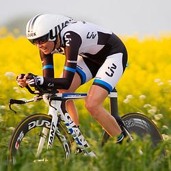 CYCLING 's-Heerenhoek: De eerste tijdrit voor vrouwen in het kader van de tijdritcompetitie werd verreden voorafgaand aan de omloop van Borsele. Marijn de Vries